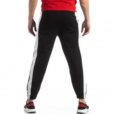 Pantaloni de trening pentru bărbați în negru cu bandă it210319-52 4