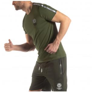 Tricou de bărbați verde cu logo și bandă  2