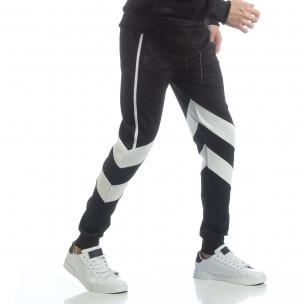 Pantaloni sport de bărbați negri cu V benzi