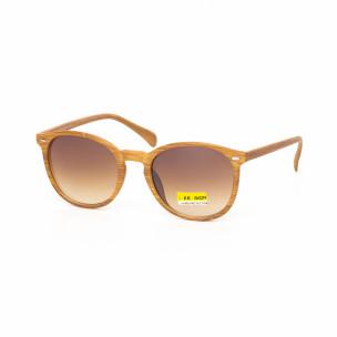 Ochelari de soare cu lențile maro și rama motiv de lemn