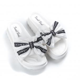 Papuci de dama albi fundă cu inscripții 2