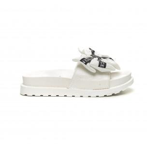 Papuci de dama albi fundă cu inscripții