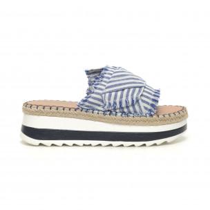 Papuci cu dungi albastre și albe de dama