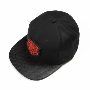 Șapcă neagră cu imprimeu roșu