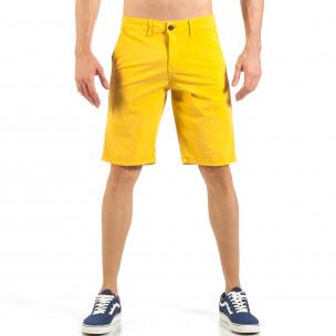 Pantaloni scurți de bărbați galbeni cu buzunare italiene