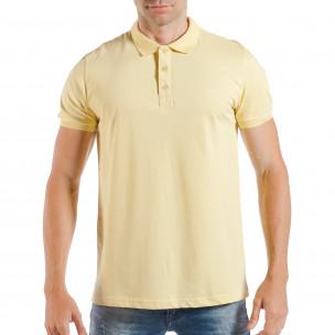 Tricou cu guler galben basic pentru bărbați