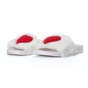 Papuci pufoși de dama albi cu inimioara 2