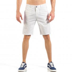 Pantaloni scurți basic de bărbați albi