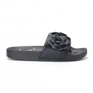 Papuci de dama negri cu flori embosate