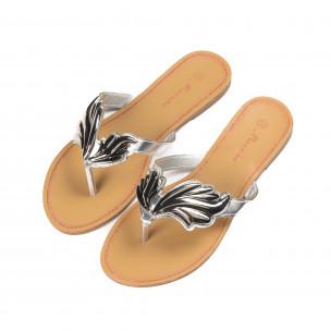 Papuci de damă cu decoraţiune metalică argintie 2