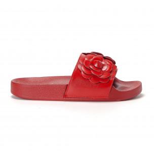 Papuci de dama roșii cu flori embosate