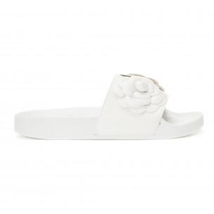 Papuci de dama albi cu flori embosate