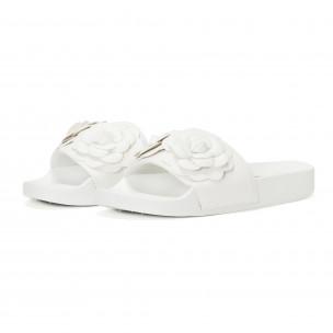 Papuci de dama albi cu flori embosate 2