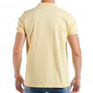 Tricou cu guler galben basic pentru bărbați  2