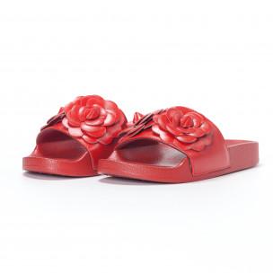 Papuci de dama roșii cu flori embosate 2