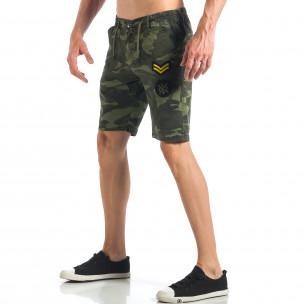 Pantaloni scurți de bărbați camuflaj cu embleme 2