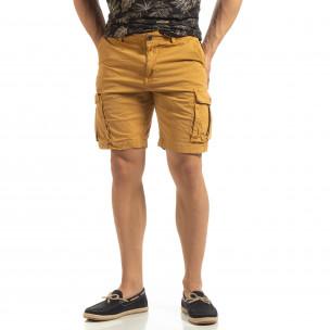 Pantaloni cargo scurți de bărbați în camel cu detaliu