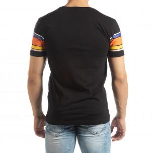 Tricou pentru bărbați negru cu dungi colorate 2