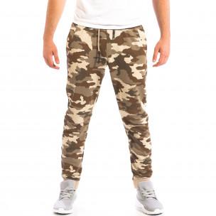Pantaloni sport de bărbați Cropp în camuflaj maro