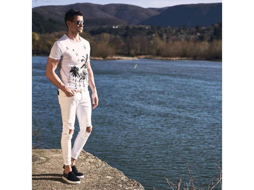 Arăt că merg la nuntă dacă mă îmbrac în alb în timpul verii? Nu, ești modern!